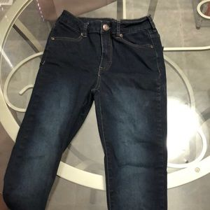 Size 27' Bluenotes dark high rise jeggings!